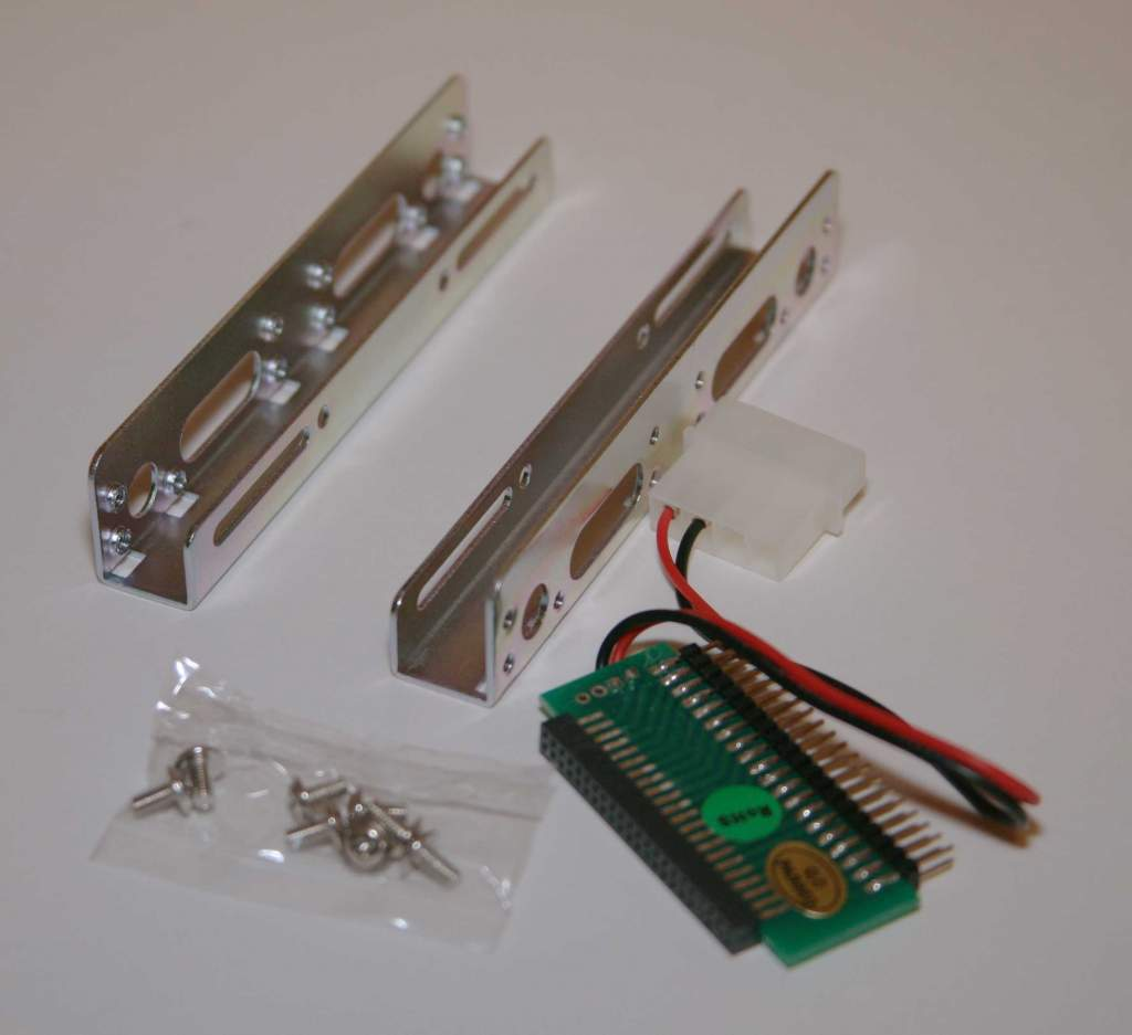 IDE Hard Drive Adapter 44-40 Pin with Bracket Kit 2.5 to 3.5 Inch HD-108